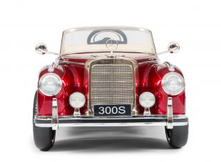 Mercedes-Benz 300S Red